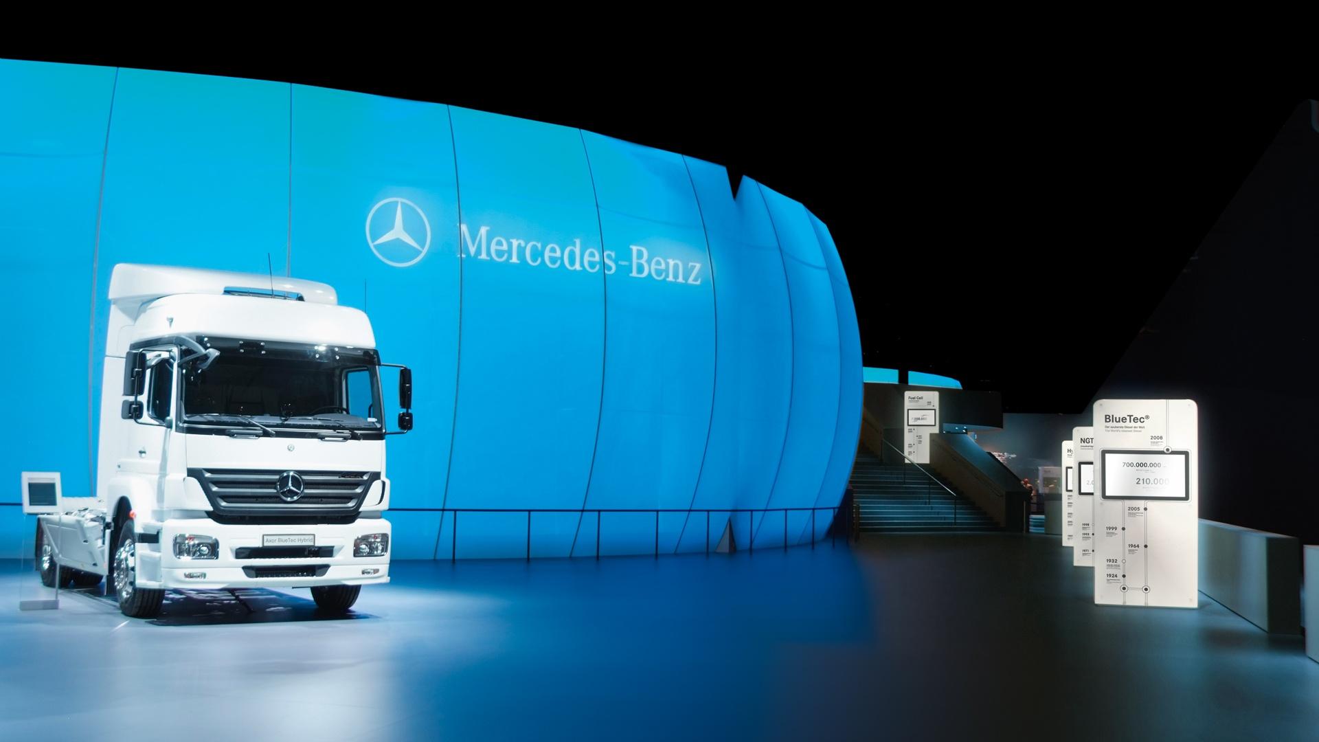 Messeauftritt IAA Nutzfahrzeuge Daimler 1