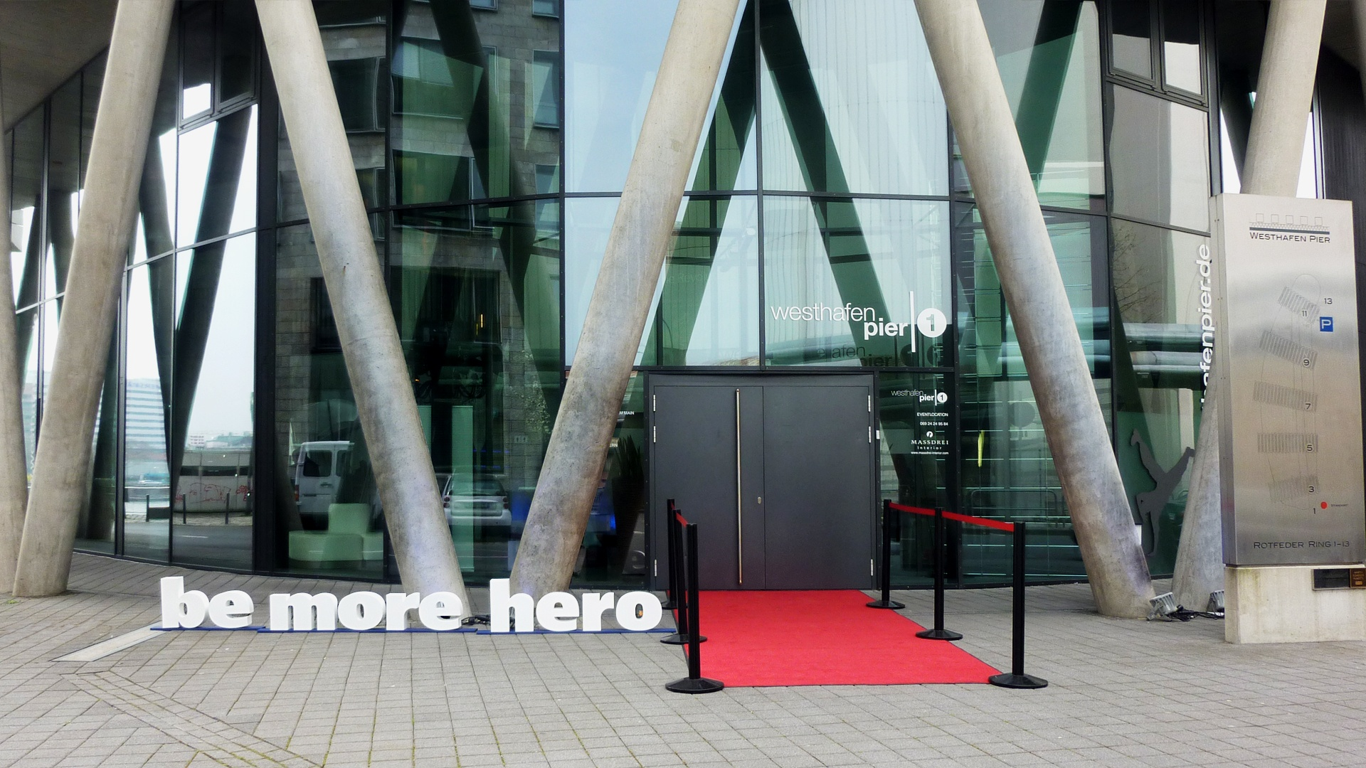 Roadshow be more hero zum Produktlaunch